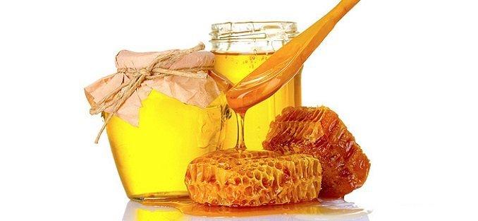 В рацион женщины при повышенном уровне тестостерона необходимо добавить мед
