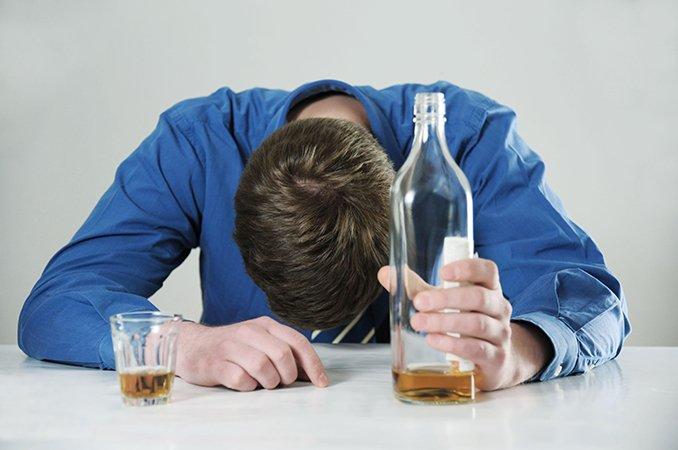 Эффективные методы лечения алкоголизма в клинике или домашних условиях с описанием