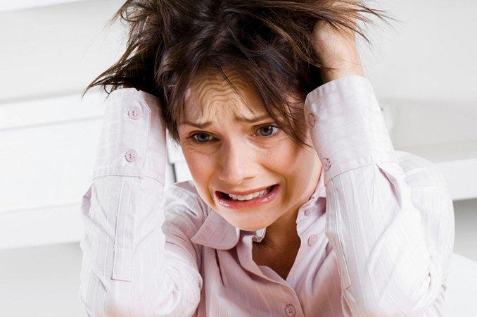 Эмоциональная нестабильность – причины, симптомы, лечение